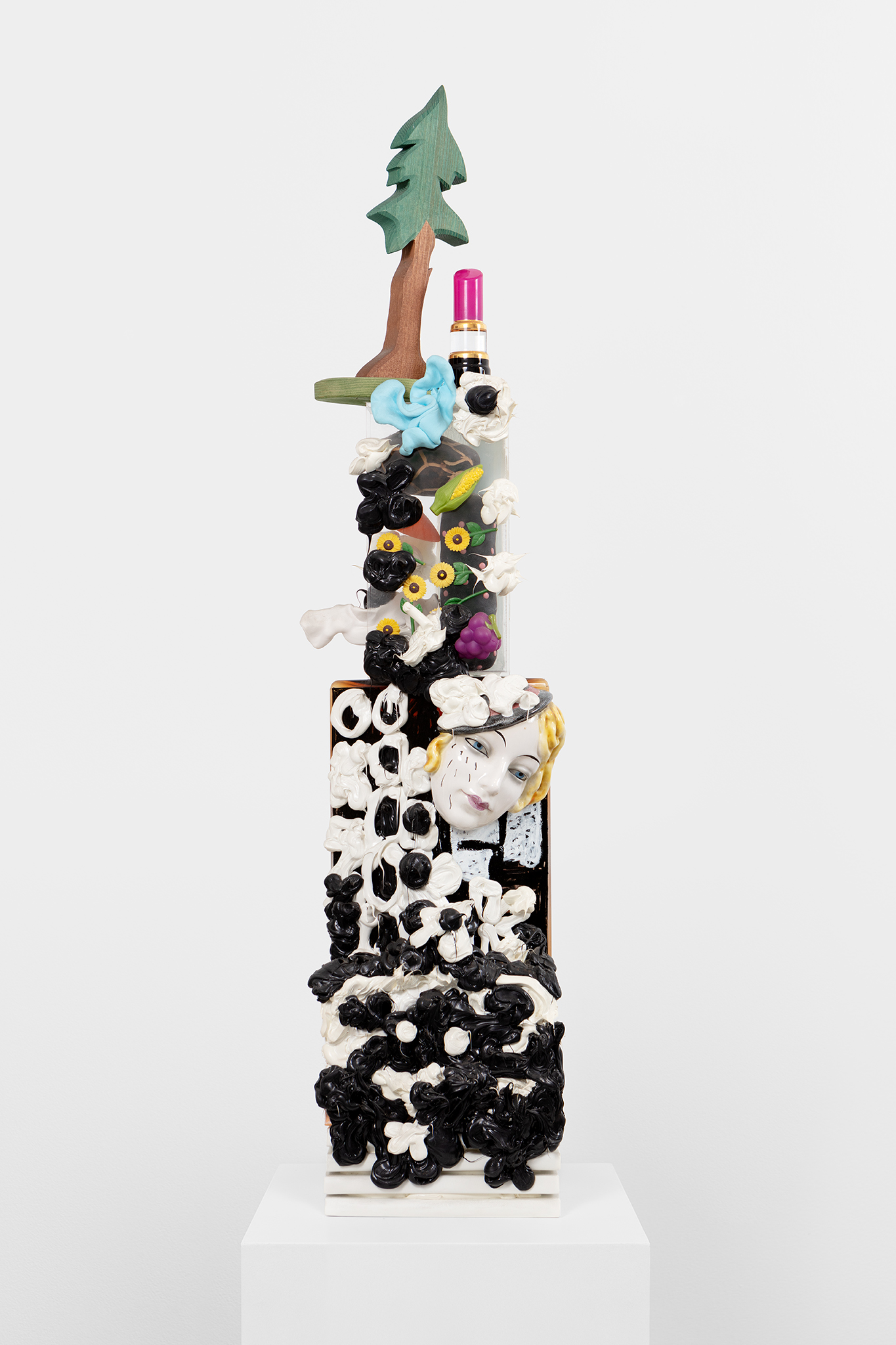 Yngve Benum, Frøya, 2019, mixed media sculpture, 106 x 21 x 13 cm